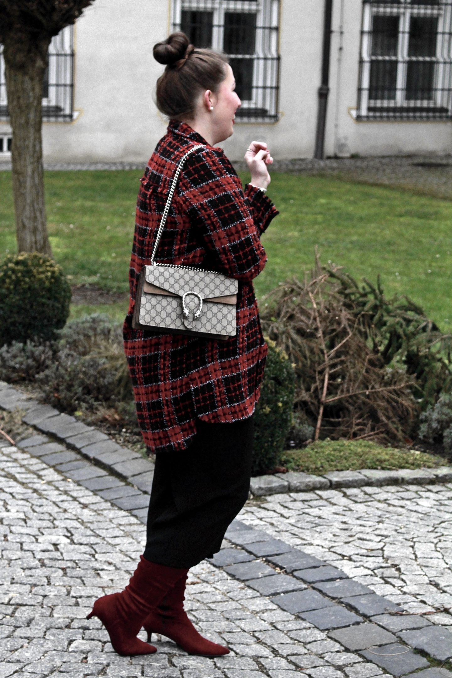karomantel-karierter-mantel-culottes-rote-stiefel-gucci-dionysus-fashionblogger