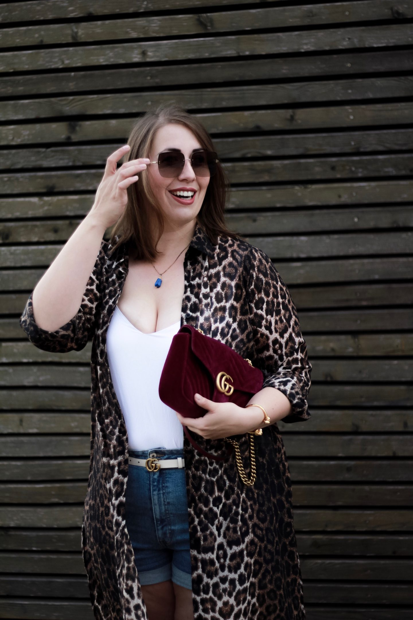 Miss-Suzie-Loves-Leopard-Kimono-Jeans-Shorts-Gucci-Velvet-Marmont-Plussize-Blogger-Susanne-Heidebach-Fashionblogger-Bodypositivity-Leopard-Print-Adidas-Adiletten