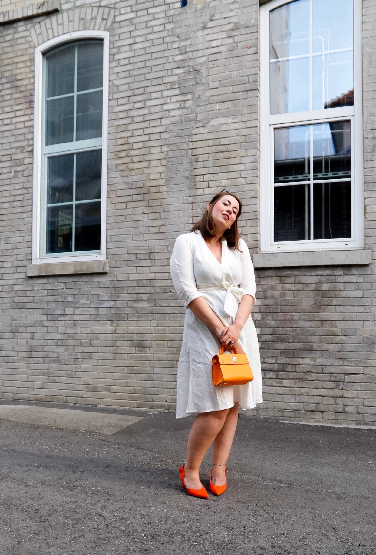 Weißes-Leinenkleid-Leinen-kombinieren-Dior-Ever-Diorever-Orange-Susanne-Heidebach-Miss-Suzie-Loves-Curvyblogger-2