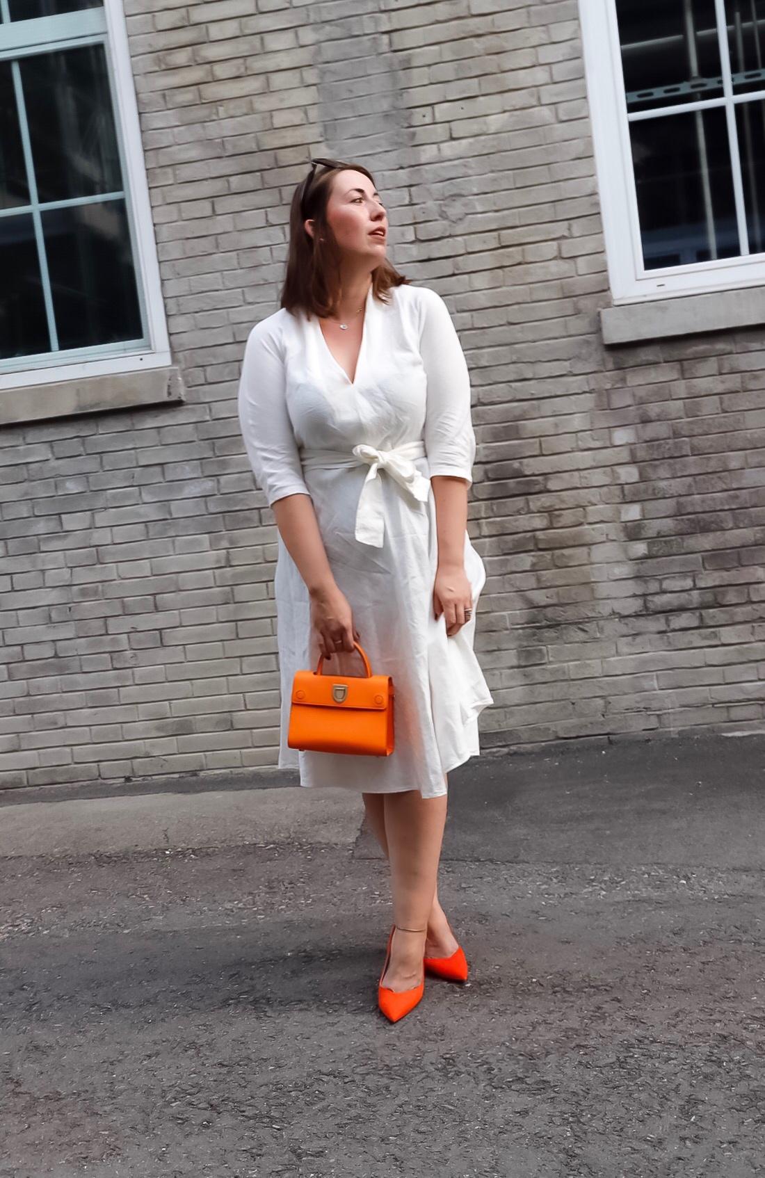 Weißes-Leinenkleid-Leinen-kombinieren-Dior-Ever-Diorever-Orange-Susanne-Heidebach-Miss-Suzie-Loves-Curvyblogger-4