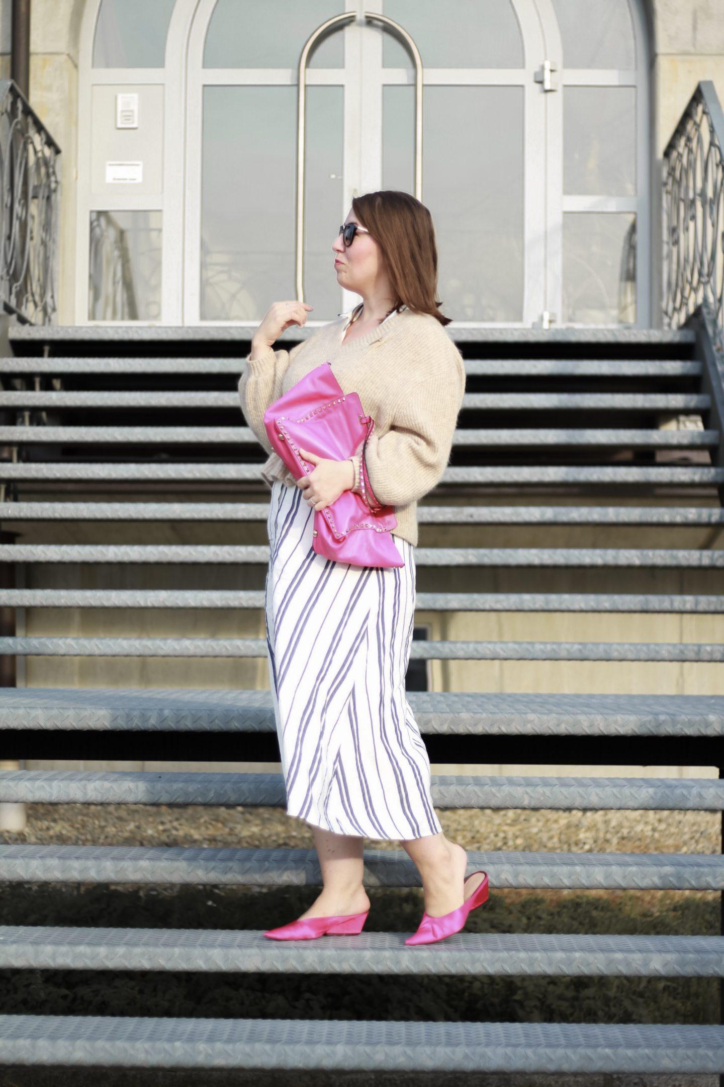 Midikleid-im-Herbst-kombinieren-Miss-Suzie-Loves-Susanne-Heidebach-Kleid-kombinieren-Outfit-Inspiration-Valentino-Shopper-Fashionblogger-Deutschland