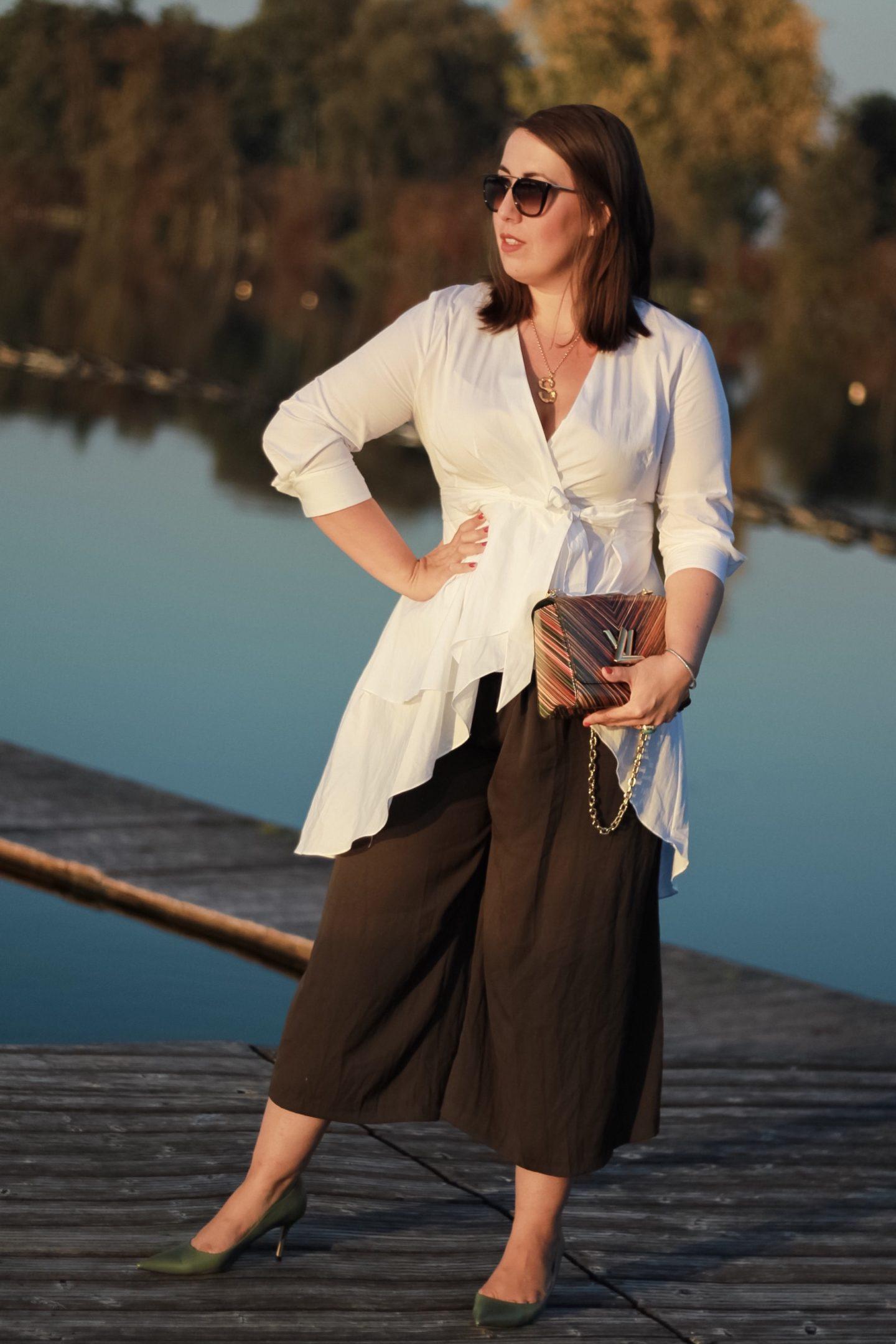 Herbst-Outfit-Asymmetrische-Zara-Bluse-Culotte-Oversize-Cardigan-Louis-Vuitton-Twist-Susanne-Heidebach-Miss-Suzie-Loves