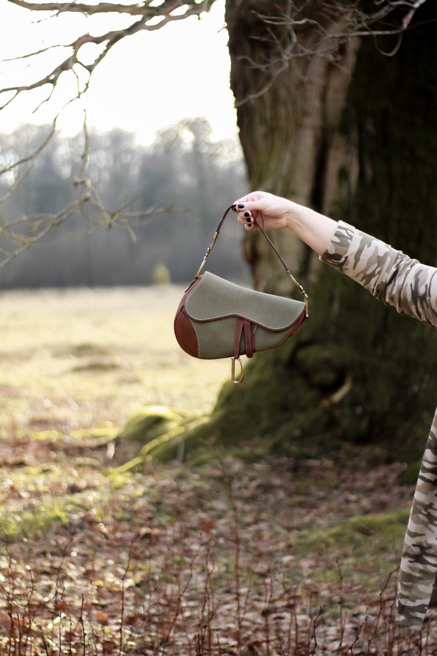 Tipps-fuer-den-Kauf-einer-Vintage-Designer-Handtasche-Miss-Suzie-Loves-Susanne-Heidebach-Dior-Saddle-Bag