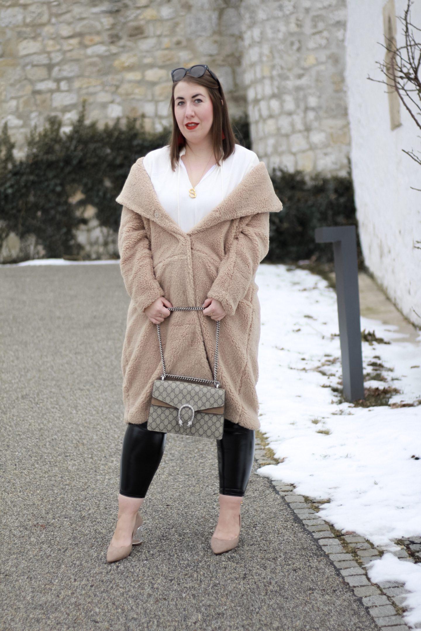Streetstyle-Trend-Slumping-Teddycoat-Miss-Suzie-Loves-Gucci-Dionysus-Susanne-Heidebach-Teddy-Mantel