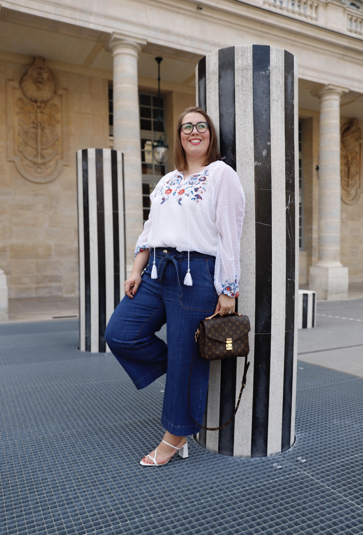 Susanne-Heidebach-Sheego-Outfit-Palais-Royal-Paris-Boho-Jeans-Culotte-Streifen-Blumen-Denim-kombinieren
