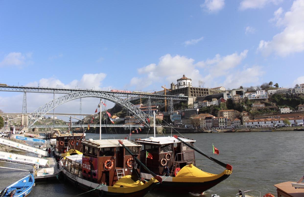 Porto-Reisebericht-Sightseeing-Tipps-Douro-Brücke-Ponte-Dom-Luis-Portwein-Schiffe-Miss-Suzie-Loves
