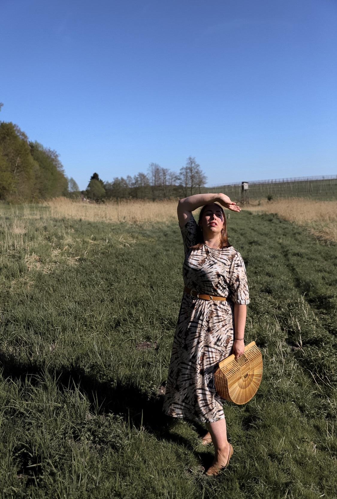 Miss-Suzie-Loves-Batikkleid-Batik-Tie-Dye-Trend-Sommerkleid-Cult-Gaia-Happy-Size