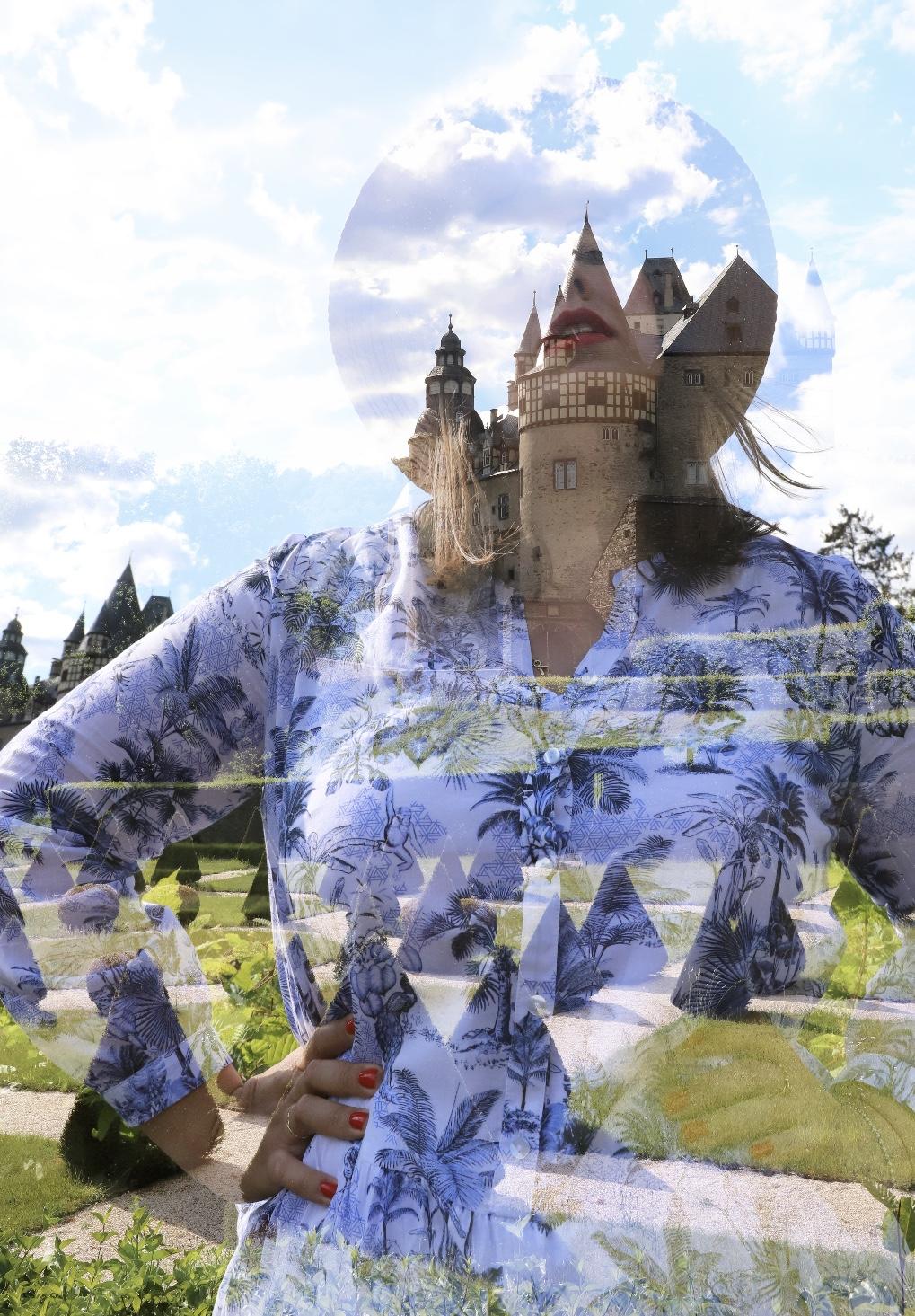 Gerry-Weber-Leinenkleid-Schloss-Bürresheim-Toile-de-Jouy-Muster-kombinieren-Sommertrend-Susanne-Heidebach-Miss-Suzie-Loves